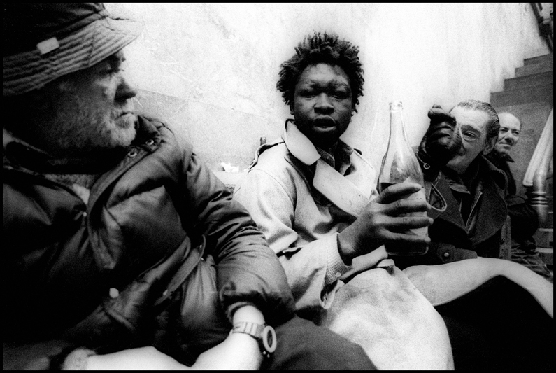 © Claudio Vitale, 1989, Milano, Homeless